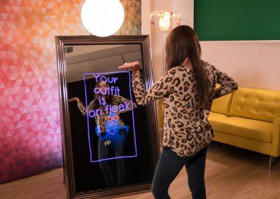 magic mirror booth 1